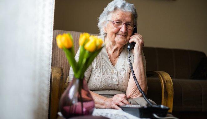 Los mayores y la terapia online